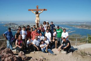 Mazatlán: PAJUMA's Via Crucis up the lighthouse hill, with open-air mass (won't be held in 2013)