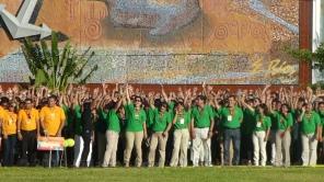 Green team cheers