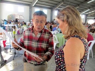 Maestro Nava explains care of the artwork