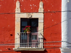 A window on the main square of Concordia