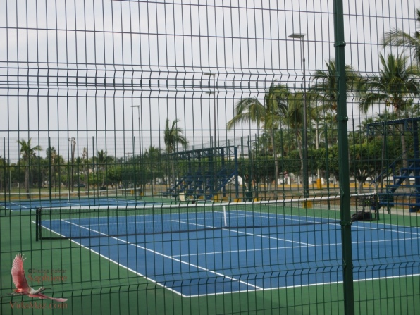 New public tennis courts at city park