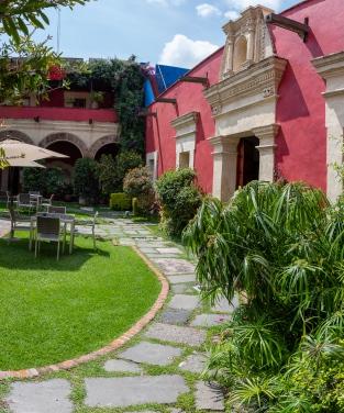 La Quinta Luna Hotel